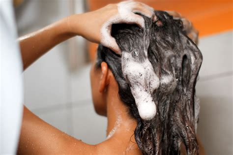 9 Tips On Washing Your Hair by Not Washing Your Hair Daily Will Give You Better