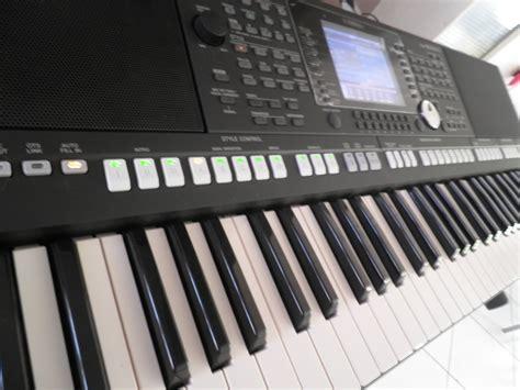 Keyboard Yamaha Psr S950 Second yamaha psr s950 image 824045 audiofanzine