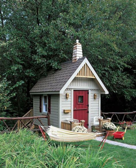 cabane a jardin la cabane de jardin pour enfant est une id 233 e superbe pour votre jardin archzine fr