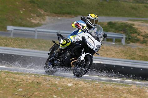 Deutsch Motorrad Verkaufen by Metzeler Roadtec 01 Test 2016 Motorrad Fotos Motorrad Bilder