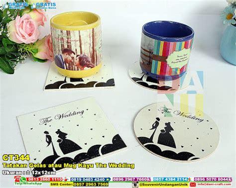 Souvenir Pernikahan Tatakan Gelas Bulat Kotak tatakan gelas atau mug kayu the wedding souvenir pernikahan