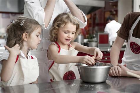 atelier enfant cuisine cuisinons ensemble caf 233 des loulous