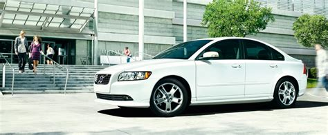 volvo   comfort se  uae  car prices specs reviews  yallamotor
