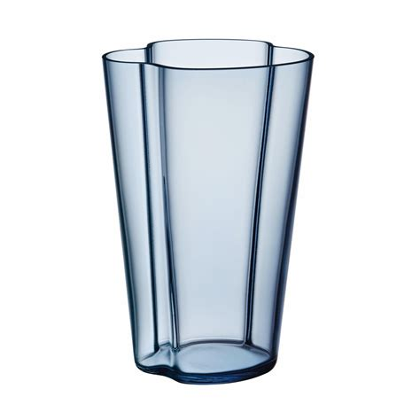 alto vase alvar aalto vase 220mm iittala ambientedirect