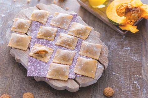 ravioli alla mantovana ricetta tortelli di zucca la ricetta di giallozafferano