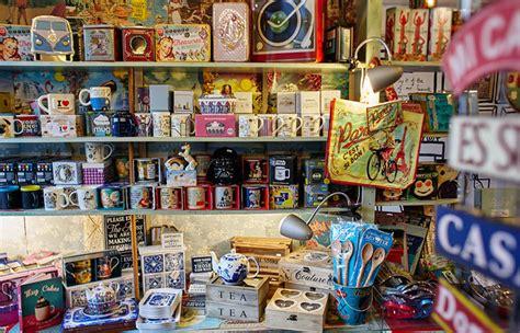chain reaction novelty gift shop camden market - Gift Card Novelty And Souvenir Shops