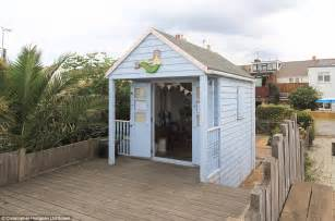 Garden Huts For Sale Hut On Sale In Kent For 163 120 000 Daily Mail