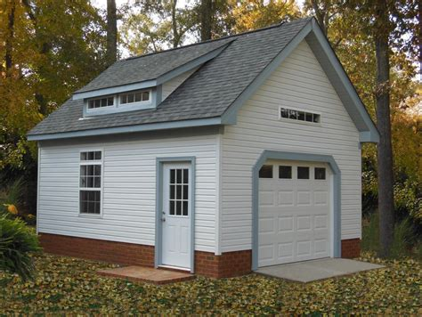 beautiful garage  transom windows  dormer