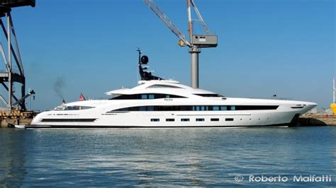 yacht yalla layout superyacht photographers luxury yacht charter