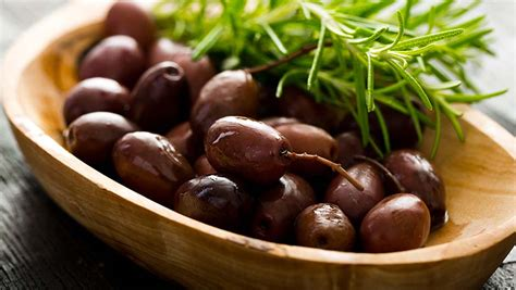 should you eat a mediterranean 4 mediterranean foods you should eat for weight loss