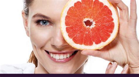 alimentazione per le ossa osteoporosi la vitamina c contribuisce a proteggere le