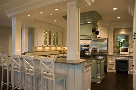 this kitchen configuration so much counter space