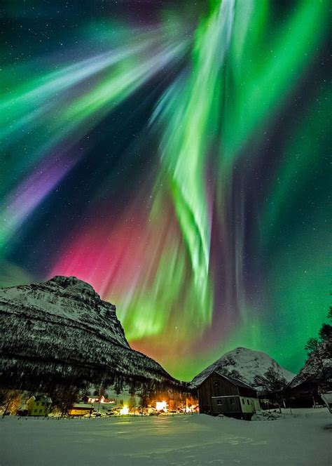 Where Are The Northern Lights Located by Best 25 Northern Lights Ideas On
