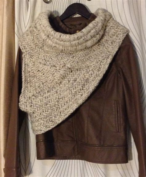 katniss knitted cowl pattern 17 best images about katniss cowl on vests