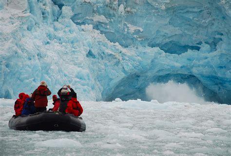 A Place Konusu File Ecotourism Svalbard Jpg Wikimedia Commons