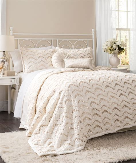ivory comforter best 25 ivory bedding ideas on pinterest ivory bedroom