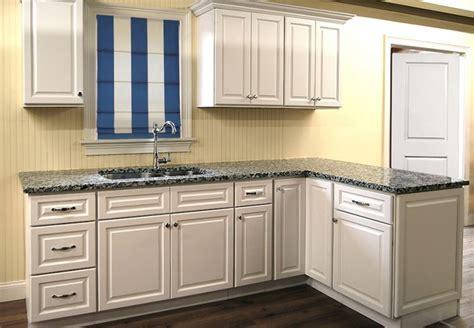 newport kitchen cabinets newport white kitchen cabinets builders surplus