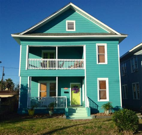 blue beach houses blue wave beach house 1 block from beach homeaway