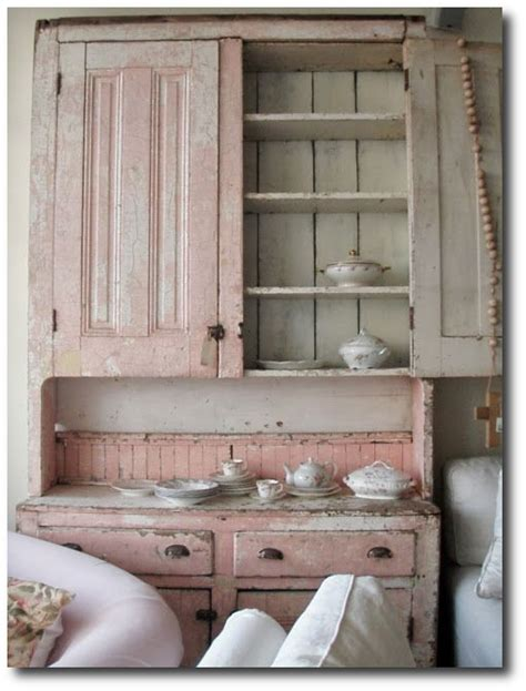 learn rachel ashwell s 3 signature shabby chic looks
