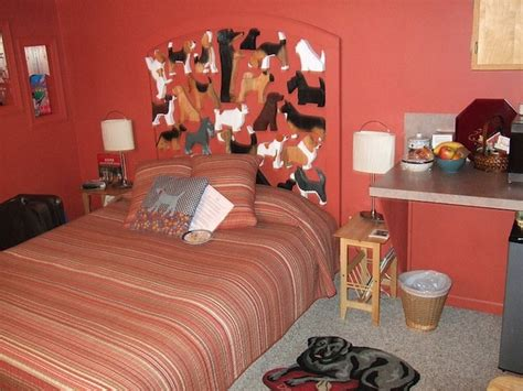 bed and breakfast idaho dog bark park inn is a quirky hotel in idaho shaped like a dog