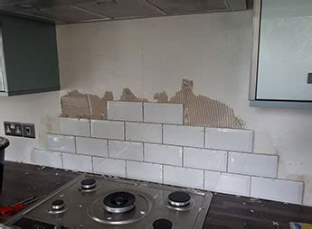 tiling kitchen splashback  subway tiles
