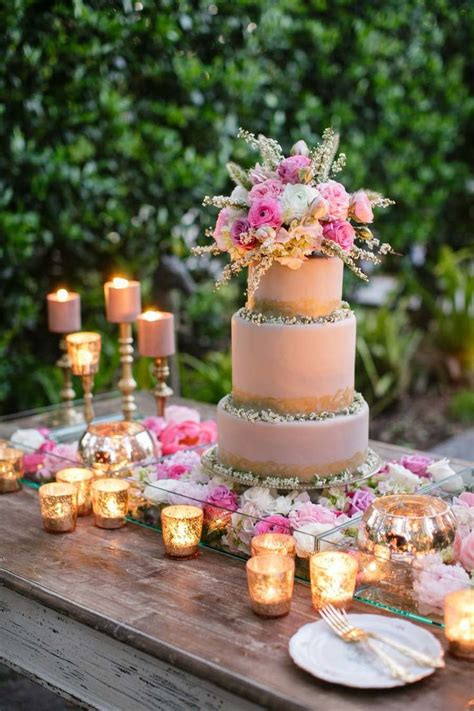 decoration tables 25 best ideas about cake table decorations on pinterest