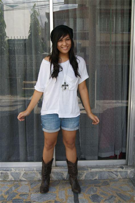brown cowboy boots zara boots white cloisonne shirts