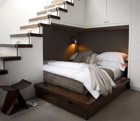 schlafzimmer dekorieren kleine schlafzimmer einrichten ideen mit holzbetten
