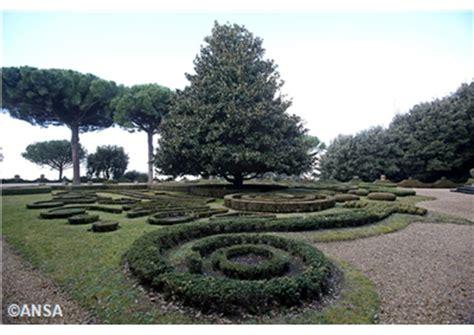 giardini di castel gandolfo alta affluenza di pubblico ai giardini di castel gandolfo