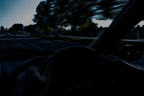 drive on how to drive at night with no street lights 6 steps