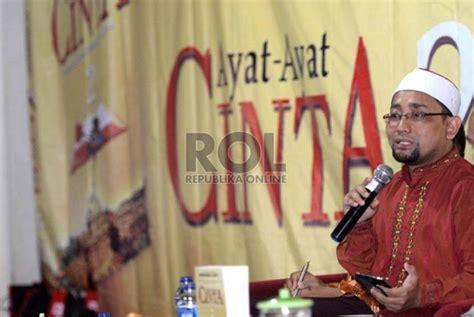Novel Api Tauhid By Habiburrahman kang abik kaget novel api tauhid dapat apresiasi tinggi republika