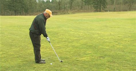 how to swing a pitching wedge video how to use a pitching wedge ehow uk
