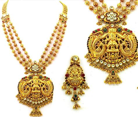 best south indian traditional and gold jewellery shree