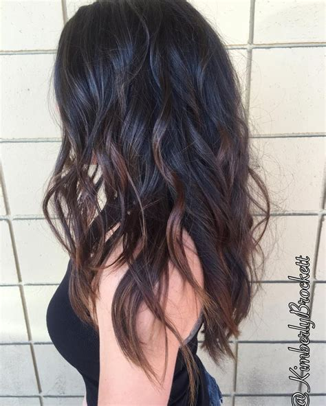 feathered and layered hairstyles on dark brown hair 25 best wavy layered hair ideas on pinterest wavy