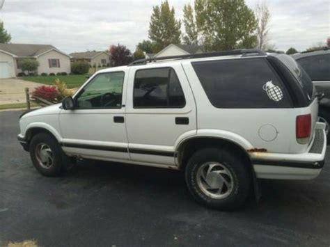 used 1997 chevrolet blazer photos sell used 1997 chevrolet blazer 4wd needs a little trans work in sycamore illinois united states