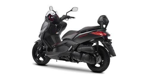 max  sport  scooter yamaha motor italia