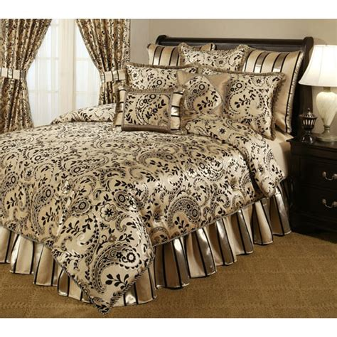 black  gold bedding sets  adding luxurious bedroom