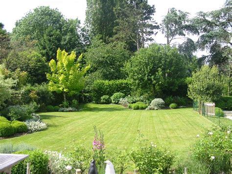 beautiful gardens azee modle jardin paysager cool modele de jardin paysager