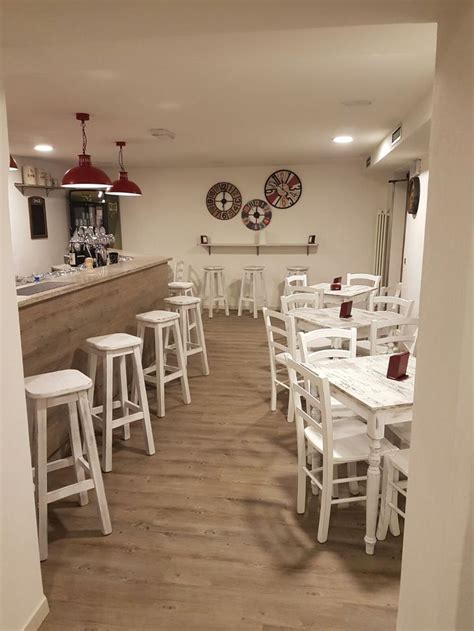 arredare pizzeria 17 migliori idee su bancone in legno su piani