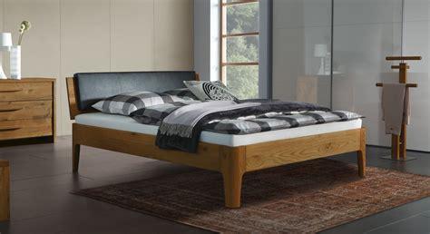 natura betten massives doppelbett oder einzelbett lugo aus eichenholz