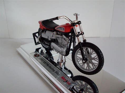 Diecast Harley Davidson 1 harley davidson motorcycle series 30 1 18 by maisto 31360