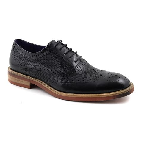 oxford shoes or brogues buy mens black oxford brogues contemporary gucinari