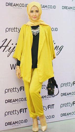 Baju Ungu Cocok Dengan Jilbab Apa kombinasi warna jilbab dan pakaian yang cocok informasitips