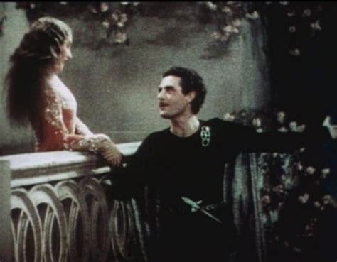 Romeo And Juliet Balcony Scene Parody by Shakespeare In Movies