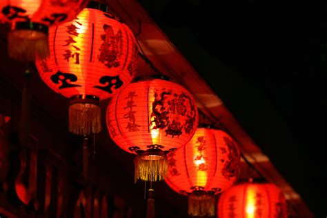 lanterns in new year students celebrate new year