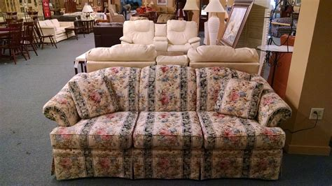 broyhill floral sofa broyhill floral striped sofa delmarva furniture consignment