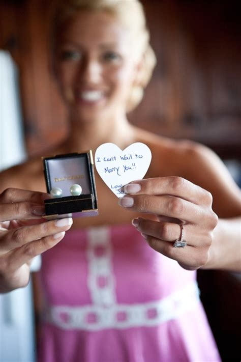 wedding day gift from groom to bride so cute wedding