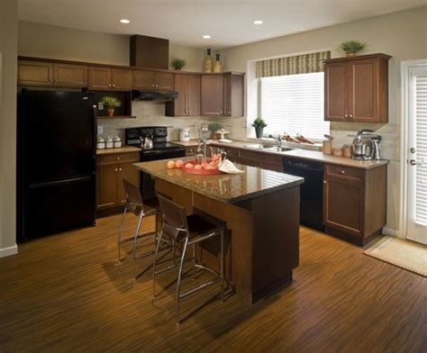 Best Way To Clean Kitchen Floor by Best Way To Clean Kitchen Cabinets Cleaning Wood Cabinets