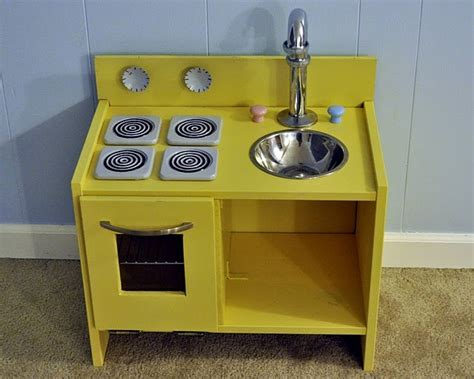 play kitchen an hack