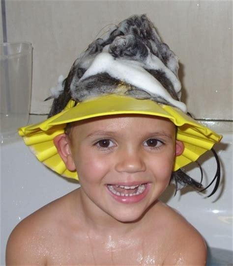 Topi Keramas Pelindung Mata Pedih Saat Keramas topi keramas anak kancing pelindung mata pedih saat keramas untuk anak barang unik kado